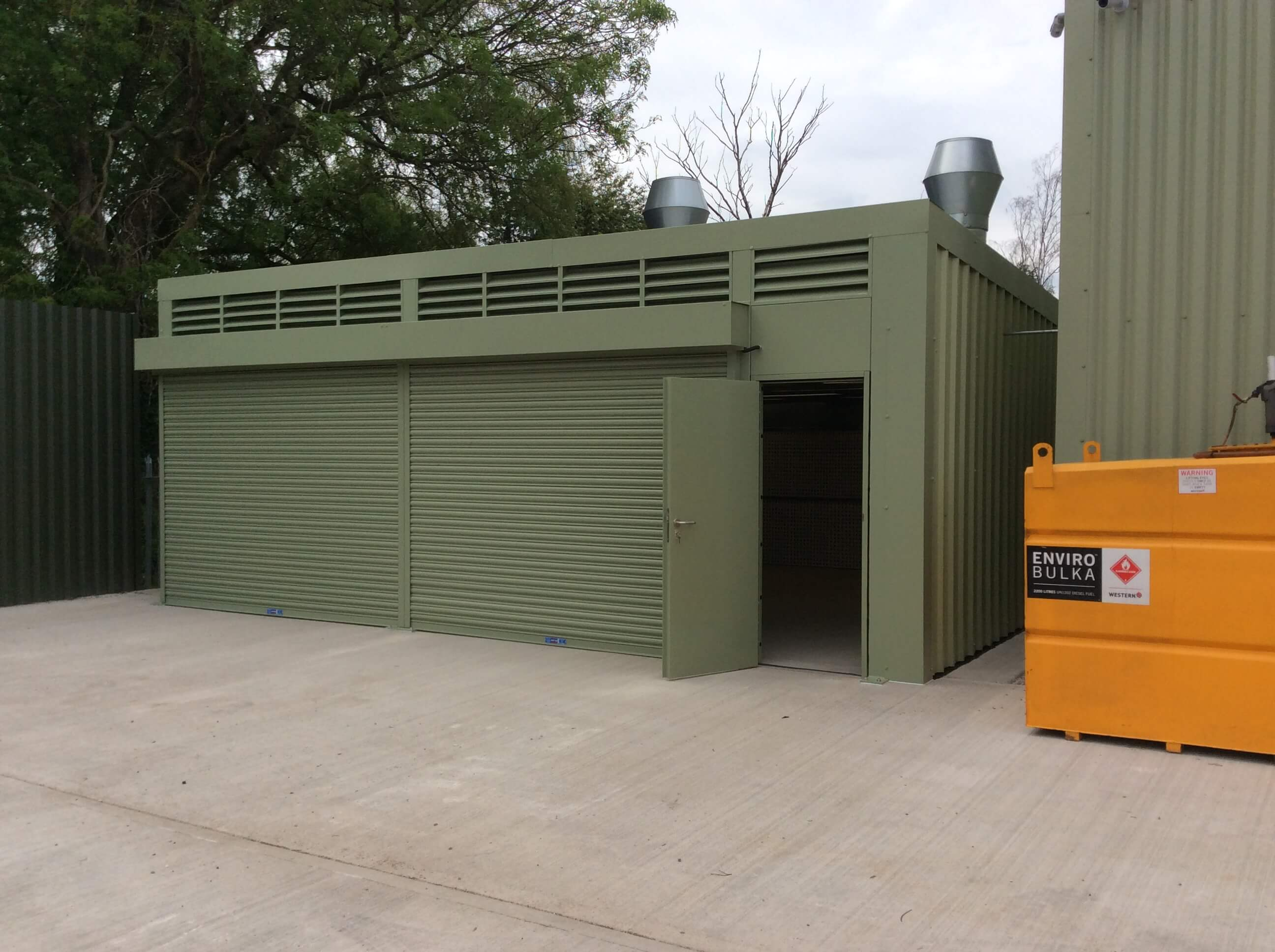Self Contained External Spray Booth